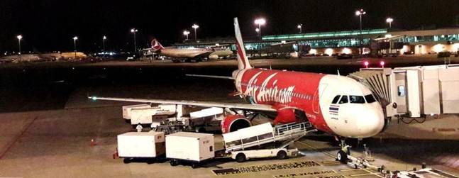 review of air asia flight from singapore to bangkok in economy. Black Bedroom Furniture Sets. Home Design Ideas