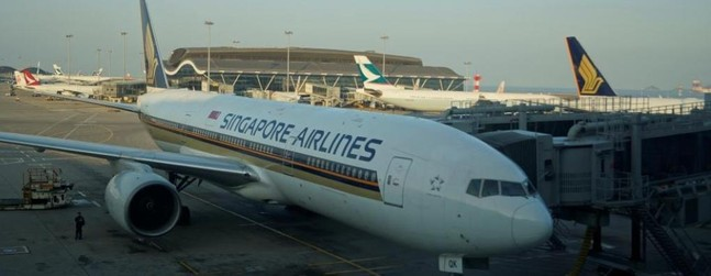 Review of Singapore Airlines flight from Hong Kong to Singapore in ...