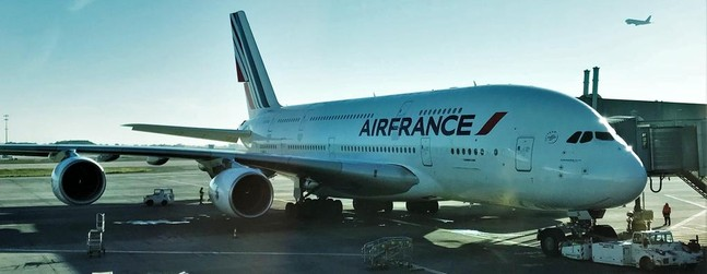 review of air france flight from paris to miami in economy. Black Bedroom Furniture Sets. Home Design Ideas