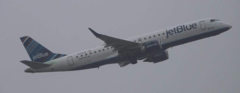 Review of JetBlue Airways flight from New York to Washington