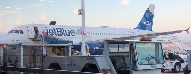 Review Of Jetblue Airways Flight Long Beach Las Vegas In Economy