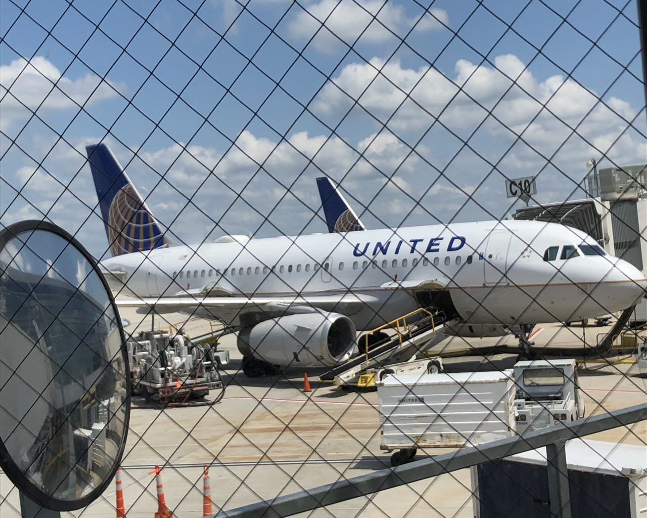 Review Of United Flight From Houston To San Antonio In Economy