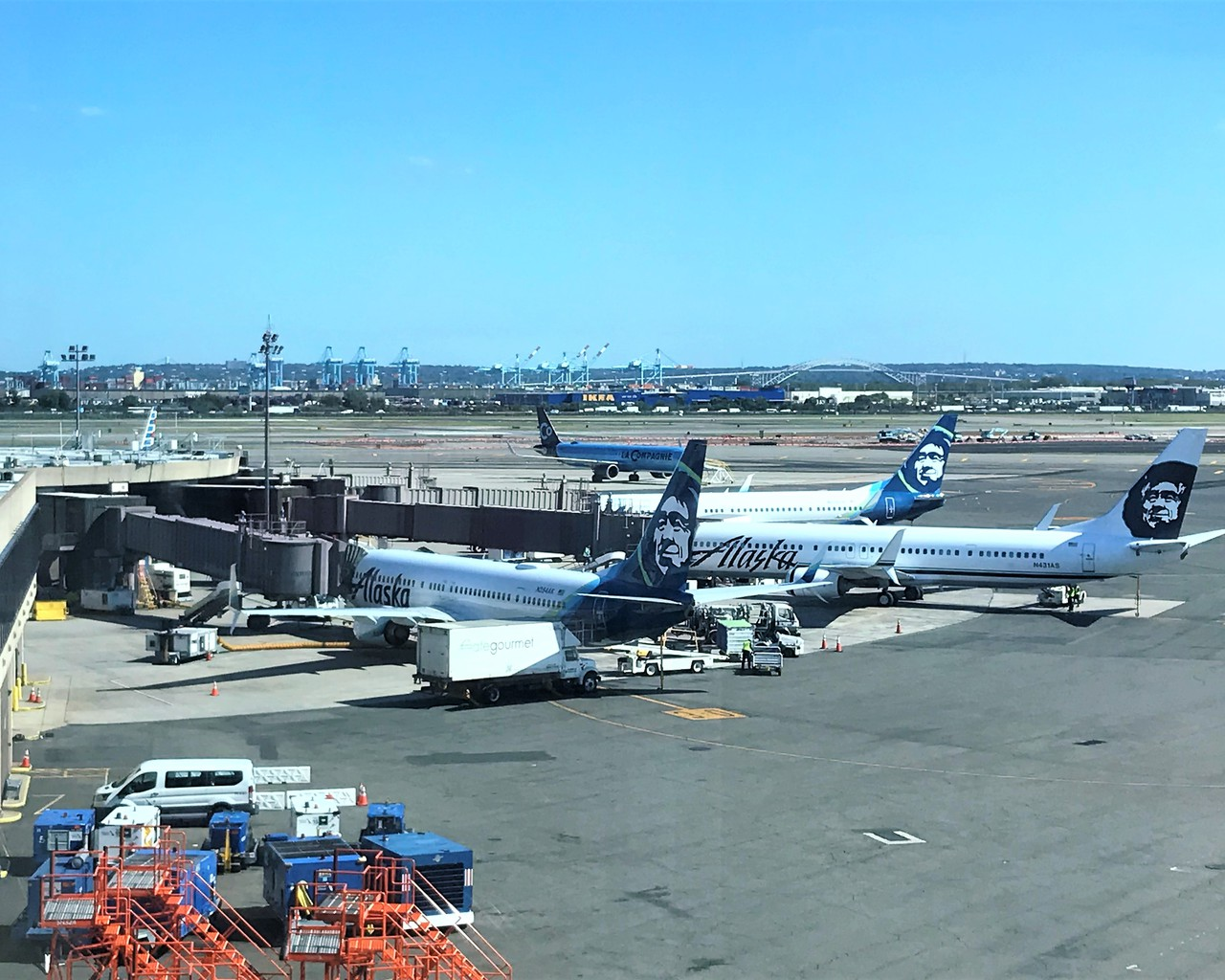 Review Of Alaska Airlines Flight From San Diego To Newark