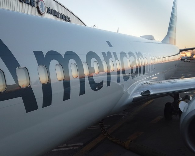 Review of American Airlines flight from New York to Miami in Economy