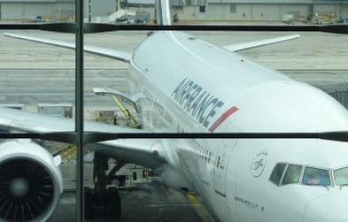 review of air france flight from los angeles to paris in economy. Black Bedroom Furniture Sets. Home Design Ideas